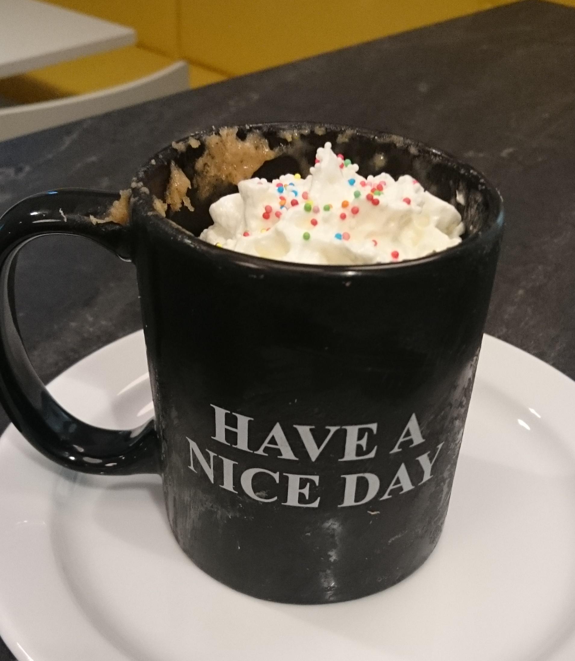 Mug Cake mit Sahne - Yum!